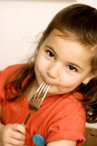 child_eating_narrowweb__300x450,0