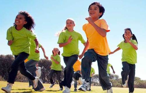 mandatory physical education A florida lawmaker proposed a bill that would eliminate mandatory physical education for middle school students, but critics say physical activity is essential for preventing and treating childhood obesity.