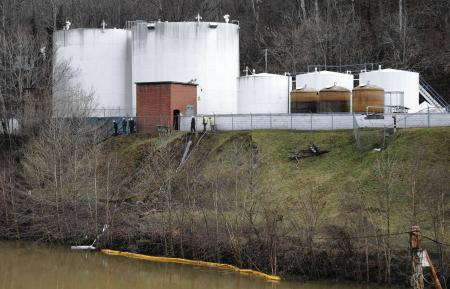 la-apphoto-chemical-spill-west-virginia-jpg-201401161